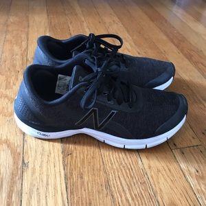New Balance Sz 7 Black/Gray Tennis Shoes